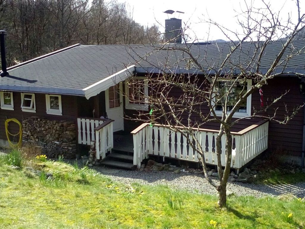 Schönes Ferienhaus mit Sauna, vier Zimmer, Küche, Bad, große ...