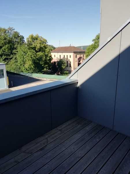 Attraktive,  neuwertige 2-Zimmer-Dachgeschosswohnung mit Balkon in Mönchberg