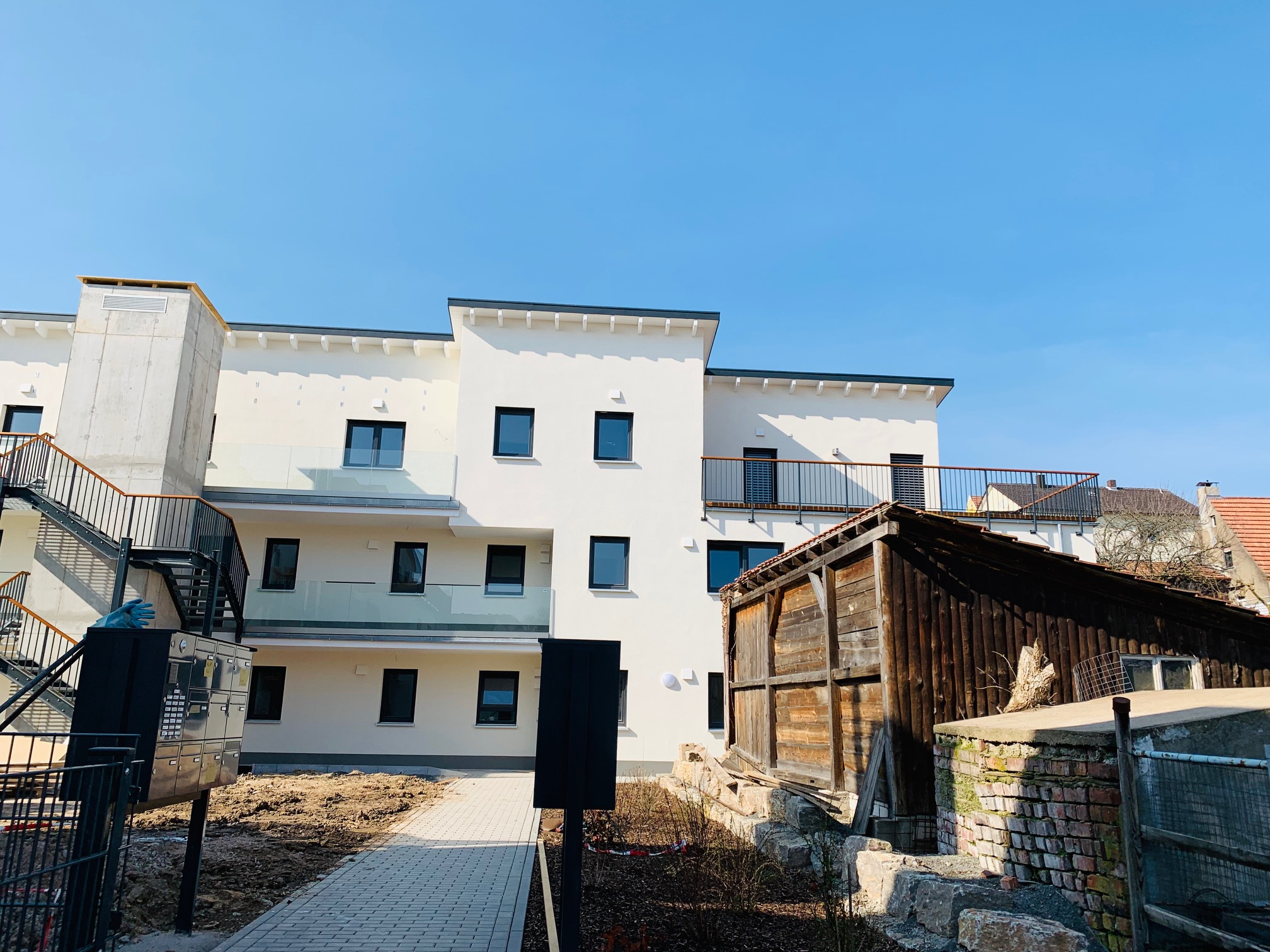 1.090 €, 120 m², 3 Zimmer