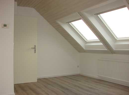 Perle in der Innenstadt! Vollständig renovierte 2,5-Zimmer-DG-Wohnung mit EBK in Ratingen