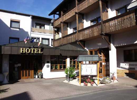 Rentable Hotel-Investition, Nähe Gießen (114 Betten), A5-Abfahrt, unter 2,0 Mio. €