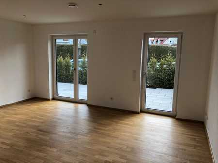 Moderne und helle Drei-Zimmer Gartenwohnung in Windach in Windach