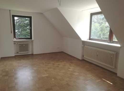 3 Zimmer DG Wohnung,kompl.renoviert, ruhig mit Gartenutzung !