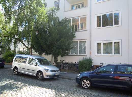 Gepflegte 2-Zimmer-Wohnung mit Balkon und EBK in Hannover