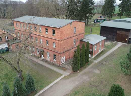 Großes Grundstück mit Scheune, Wohnhaus und vielen Möglichkeiten