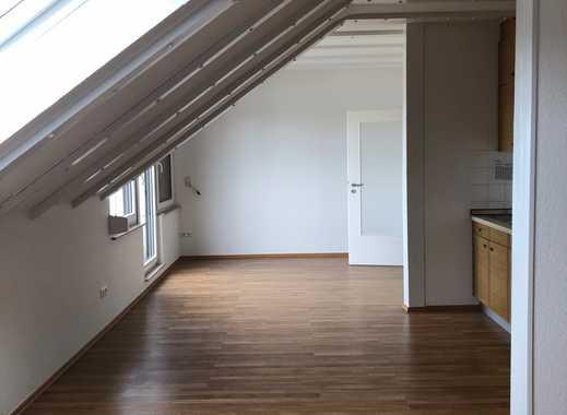 BN-Holzlar, 47 qm DG-Apartment, Küche, Diele, Bad, Pkw Stellplatz, Laminat, ruhiger S/W Balkon