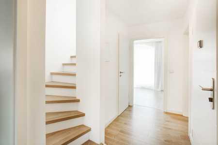 sehr schöne 3-Zimmer-Maisonette-Wohnung mit Balkon und Einbauküche in Trudering, München in Trudering (München)