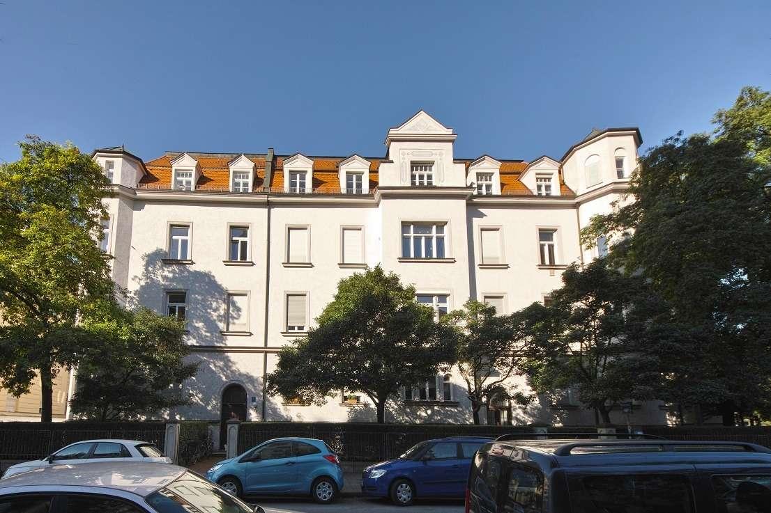 6 Zimmer Altbau Traumwohnung, top saniert mit Blick auf die Theresienwiese in Ludwigsvorstadt-Isarvorstadt (München)