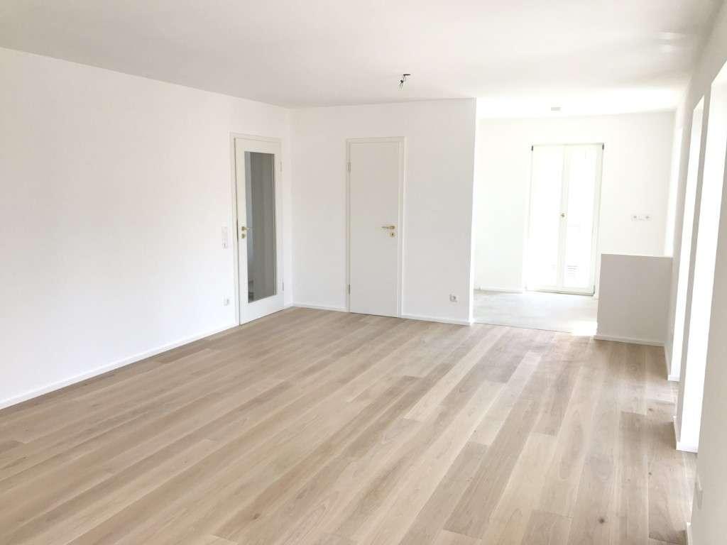 Hochwertige zwei Zimmer Wohnung, zentrale Lage