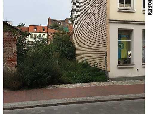 Baulücke in der Wismarer Altstadt zu verkaufen