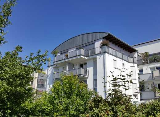 TOP Lage: 2-Zimmer-Komfort-Penthauswohnung mit Sonnenbalkon, EBK und Aufzug