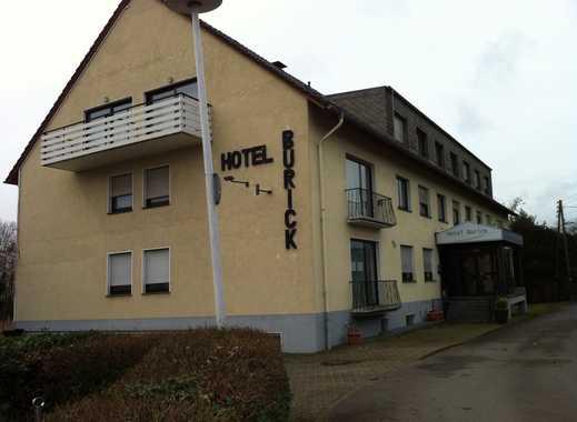 Hotelanlage mit Restaurant, Kegelbahn, Tennishalle uvm, DIREKT VOM EIGENTÜMER, RENOVIERUNGSBEDÜRFTIG