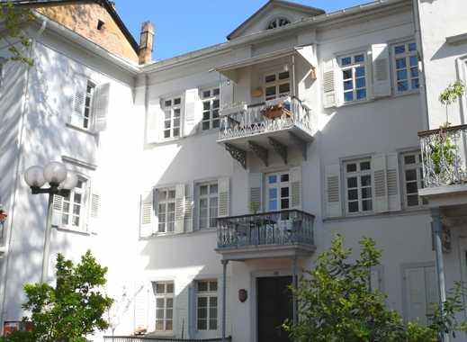 Attraktive Erdgeschosswohnung mit zwei Terrassen direkt an der Kurhausstraße
