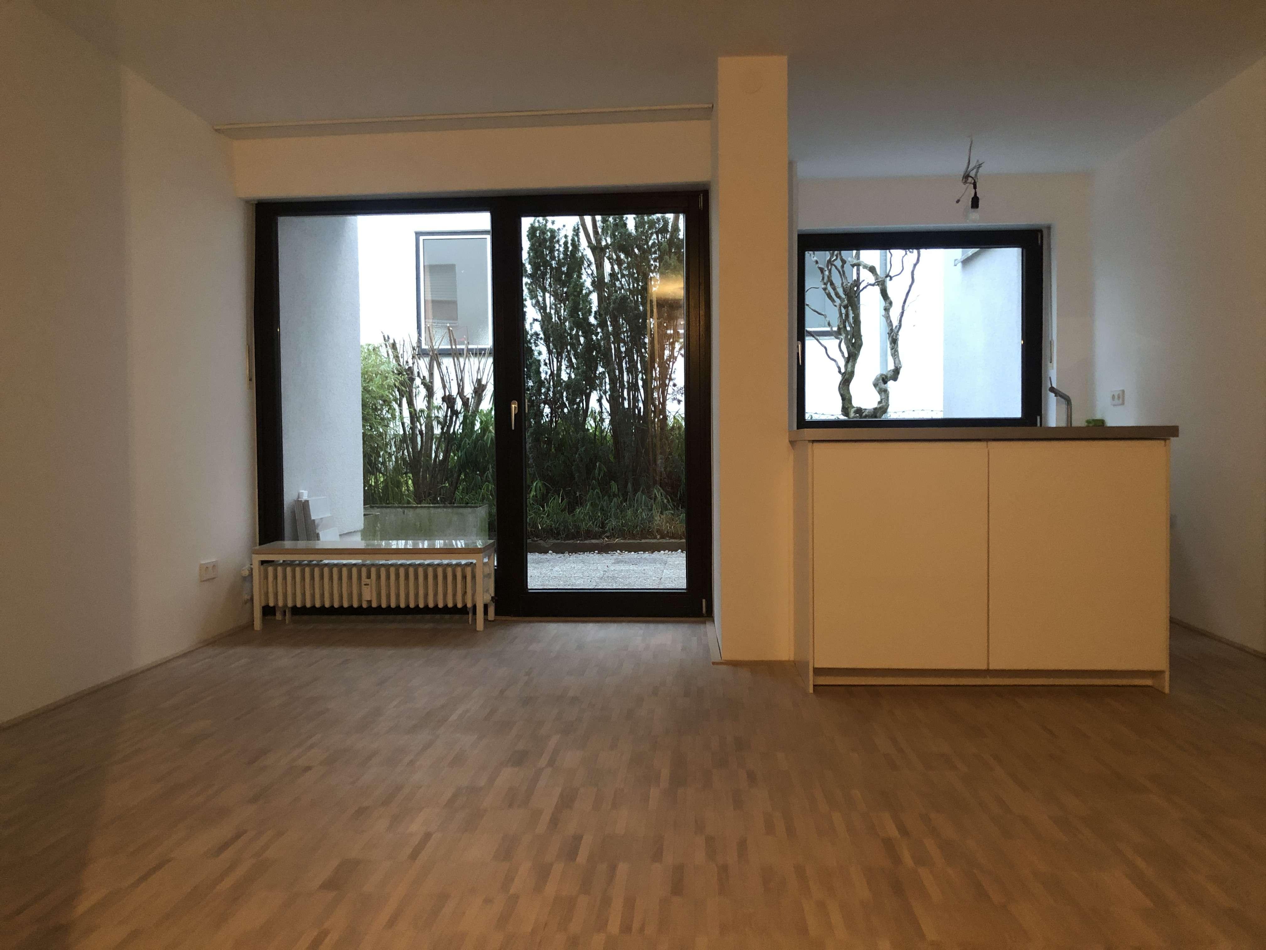 Schöne, geräumige ein Zimmer Wohnung in München, Laim in Laim (München)