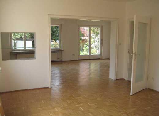 Helle, großzüge 2,5 Zimmer Wohnung in ruhiger Lage in Mögeldorf