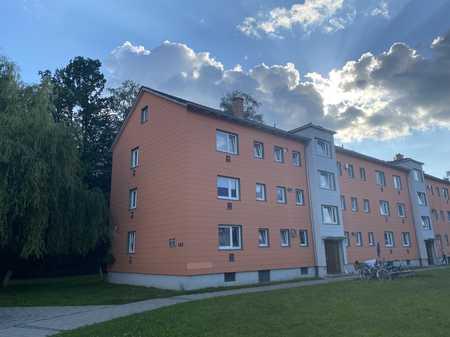 Ansprechende 3-Zimmer-Wohnung in Waldkraiburg mit Balkon und viel grün Außenrum in Waldkraiburg
