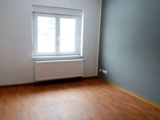 Schöne, helle 3- Raum-Wohnung mit Garten