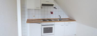 2 Zimmer-Dachgeschoss-Wohnung mit Einbauküche u. Pkw-Stellplatz in Bad Oeynhausen - Zentrum