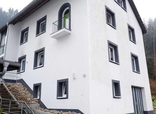 Schöne renovierte 3 Zimmer Wohnung mit EBK und Stellplatz in 72275 Alpirsbach