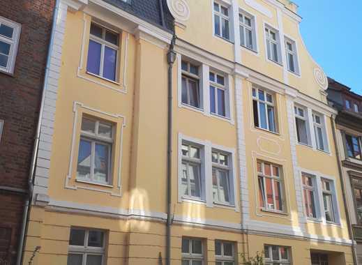 Große 2 R.-Erdgeschosswohnung mit Einbauküche in der Altstadt