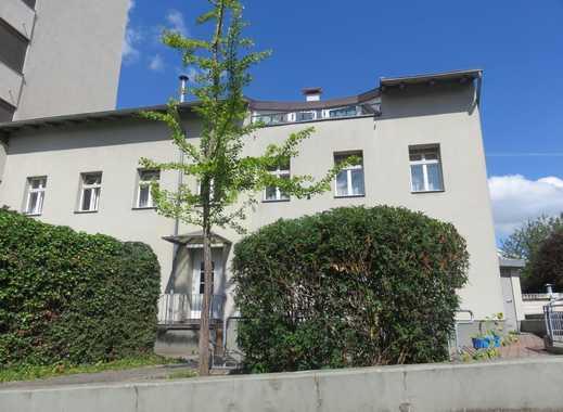 Wunderschöne, ruhige 2-Zimmer Dachgeschosswohnung mit großzügiger Terrasse!