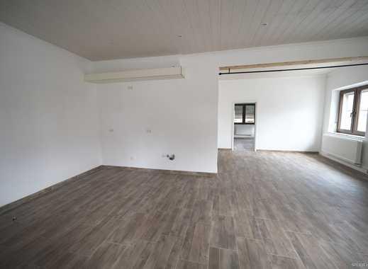 Geräumige Hochparterrewohnung mit großem Wohnraum und zwei Schlafzimmern in SC Limbach - WG möglich