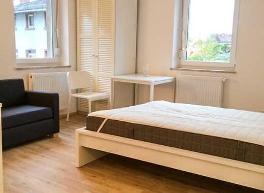 Sanierte, helle, vollmöblierte 1,5 Zimmer Altbau-Wohnung mit Einbauküche