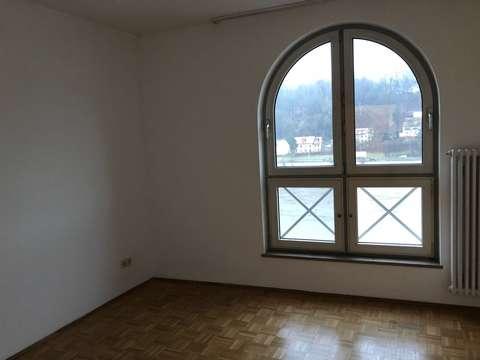 Attraktive 1-Zimmer-Wohnung mitten in Passau/Bahnhof mit Küche