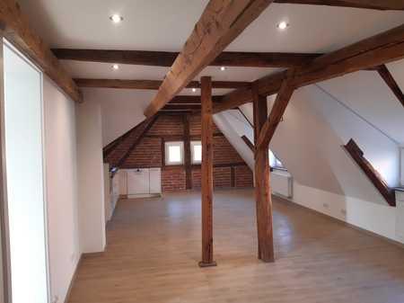 Erstbezug: attraktive 4-Zimmer-Dachgeschosswohnung / Loft mit EBK in coburg Zentrum in Coburg-Zentrum (Coburg)