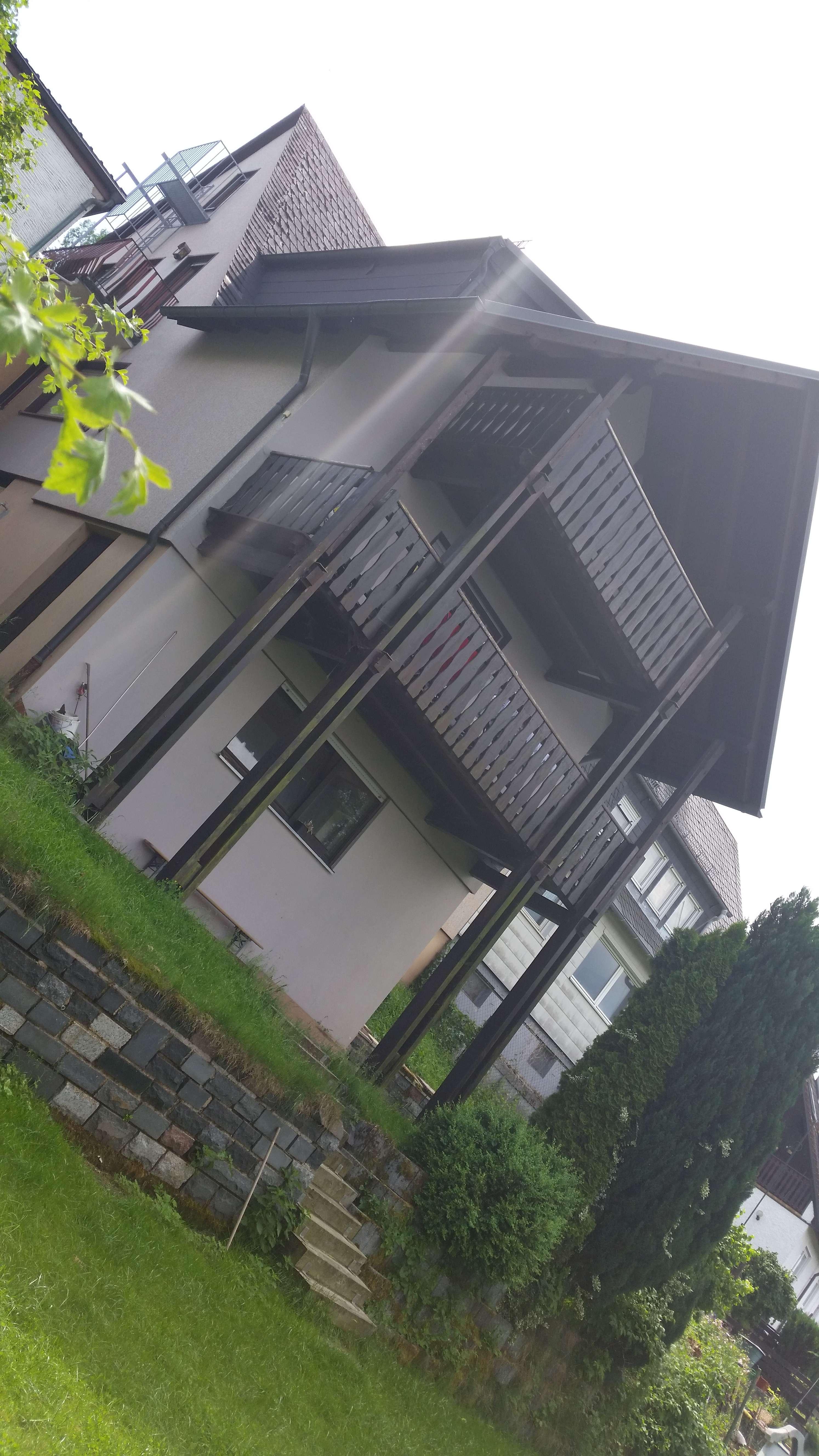 Gepflegte 4-Zimmer-Wohnung mit Balkon, Garten und Garage in Marktredwitz,