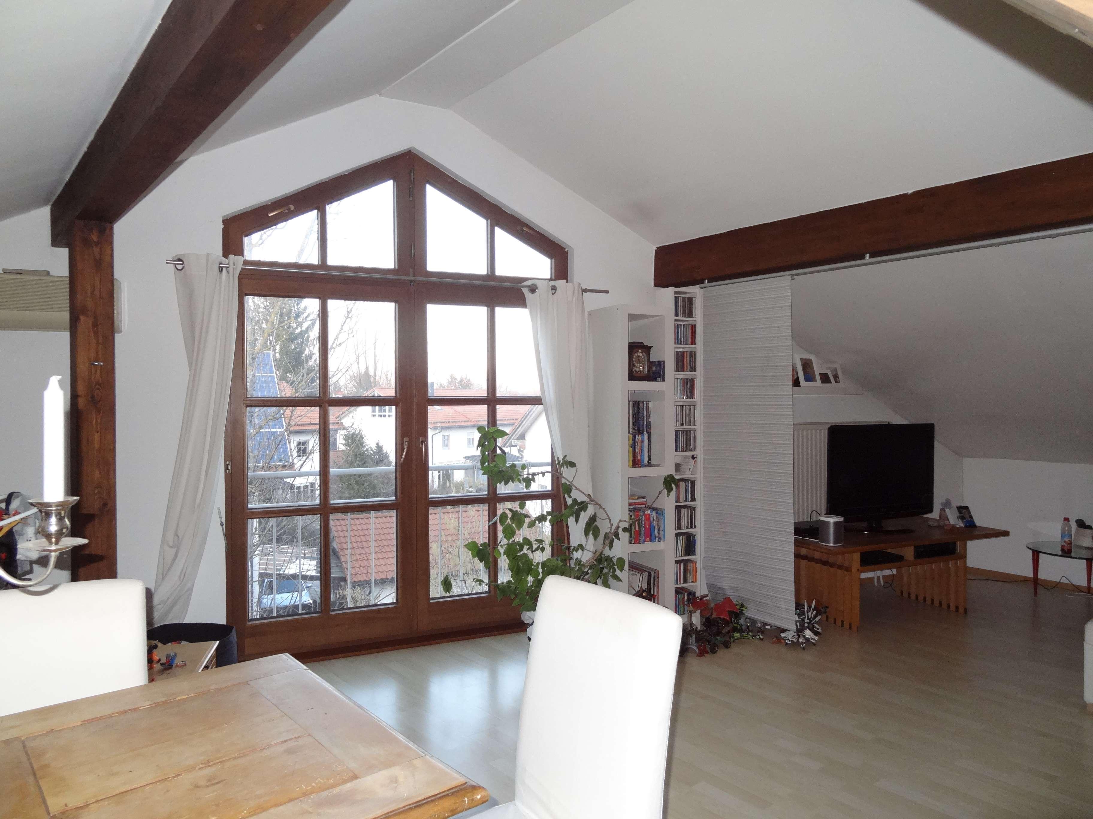 Sehr schöne ruhige DG-Wohnung od. Büro in Oberhaching