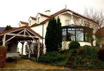 Repräsentatives Einfamilienhaus mit Einliegerwohnung in