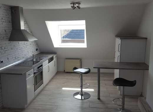 Vollständig renovierte 2-Zimmer-Dachgeschosswohnung mit Einbauküche in Nettetal