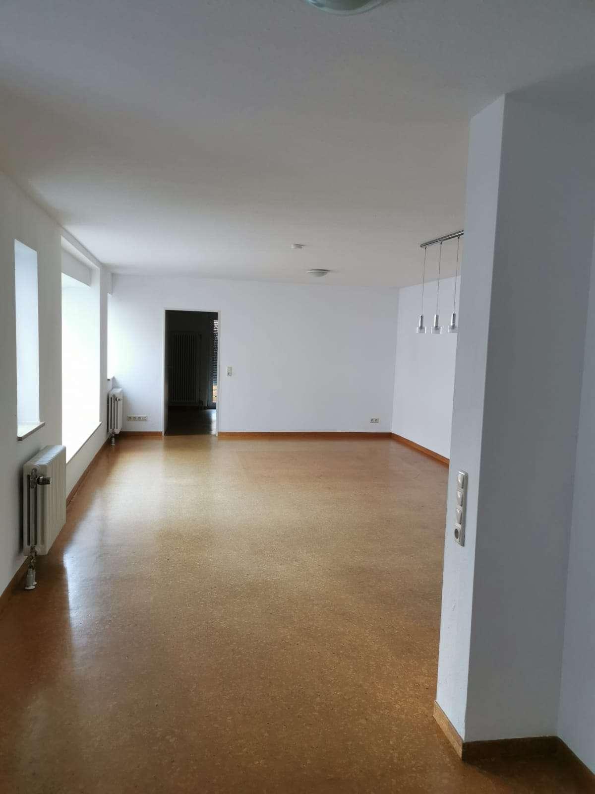 Attraktive 2-Raum-Wohnung mit EBK und Balkon in Deggendorf in