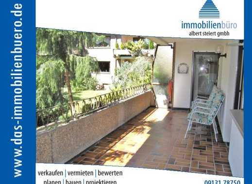Großzügige 4 1/2 Zimmerwohnung, ruhige Stadtlage mit EBK, TG und Außenstellplatz