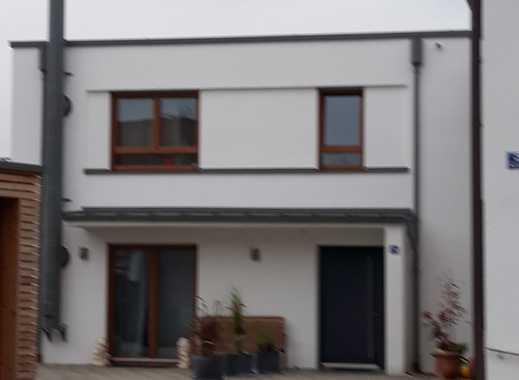 Stilvolle, neuwertige 3-Zimmer-Wohnung mit Balkon in Kirchheim