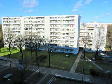 Schöne 4-Zimmer-Wohnung in zentraler Lage von Neuperlach! in Perlach (München)