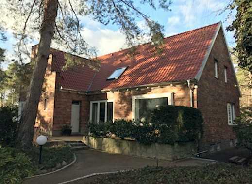 Außergewöhnlich schöne denkmalgeschützte Villa mit Garage in der Gartenstadt Berlin Frohnau