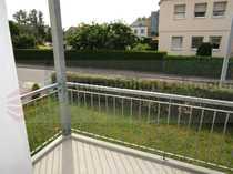 Einzugsfertig - Laminat - Balkon - Tageslichtbad