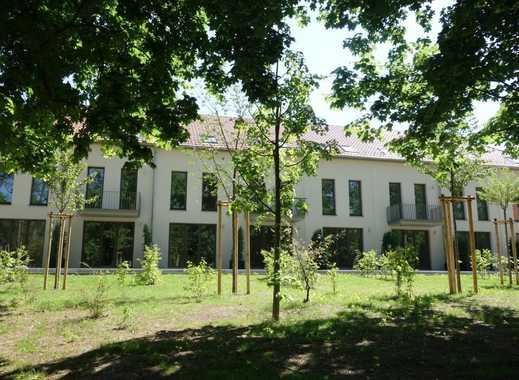 """Sonniges Haus mit Balkon und Gartenterrassen im """"Schloss-Park Güterfelde""""!"""