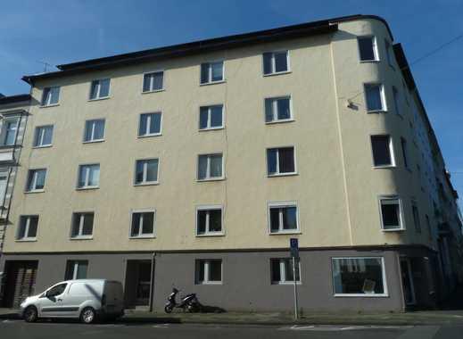 DOMINI bietet:  Möchengladbach-Zentrum! Schicke neu renovierte 3 Z-Wohnung im 3. OG (WG geeignet) !