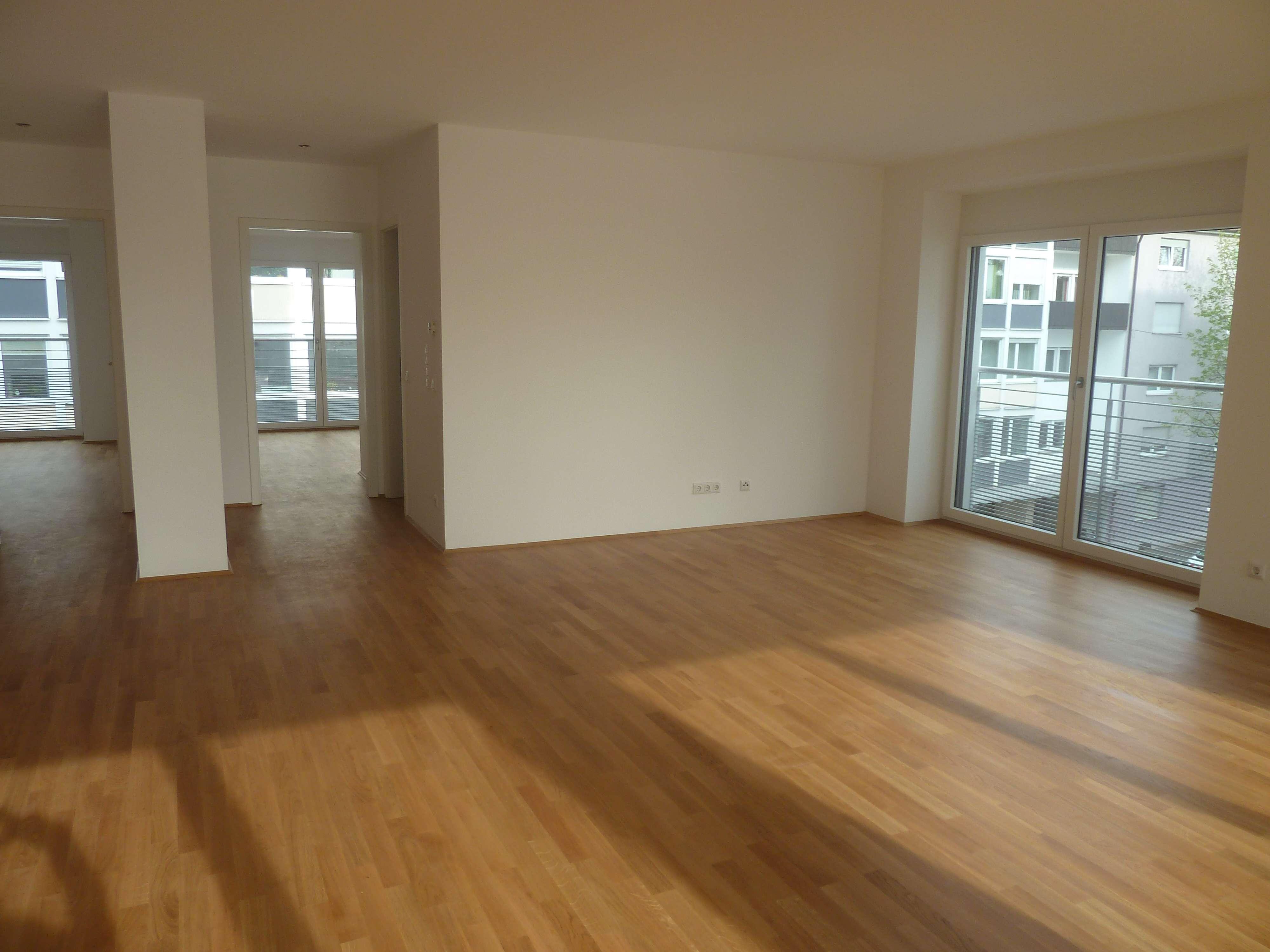 Schöne 3-Zimmer-Wohnung mit Balkon u. EBK in Bahnhofsnähe