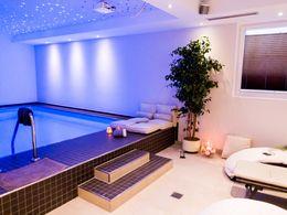 Wellnessbereich mit Pool