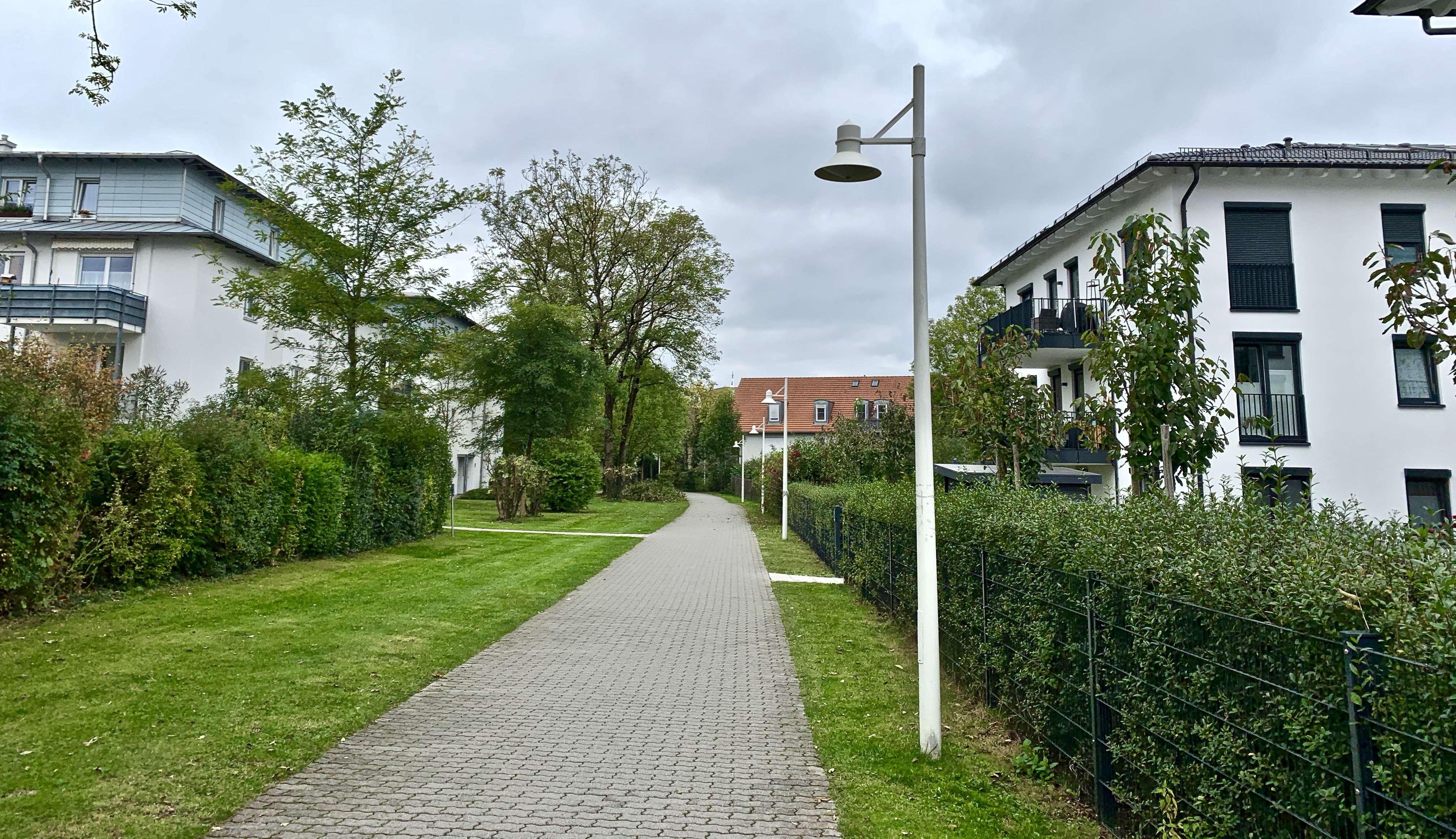 Helle 1,5-Zimmer-Wohnung mit sonnigem Südbalkon und EBK in Pasing. Teilmöbliert. in Pasing (München)