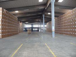 große Lagerhallen