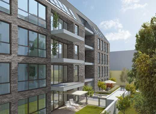 Das Nordend: Frankfurt's trendiger Stadteil! 4-Zimmer-Wohnung mit 3 Schlafzimmern und schönem Balkon