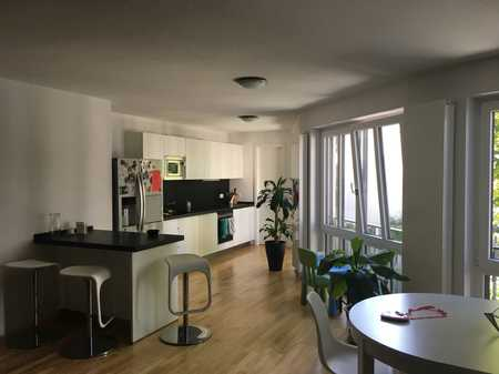 Exklusive, geräumige und neuwertige 3-Zimmer-Wohnung mit EBK in Muenchen in Sendling-Westpark (München)