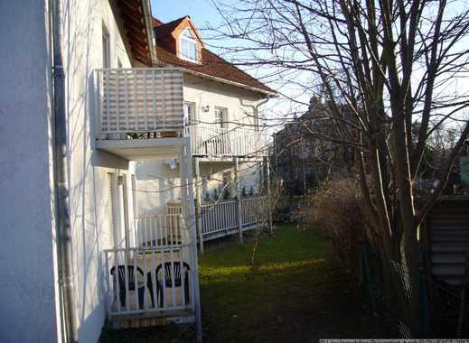 Erdgeschoss Wohnung über 2 Etagen, Bad mit Wanne, Laminat & Abstellkammer