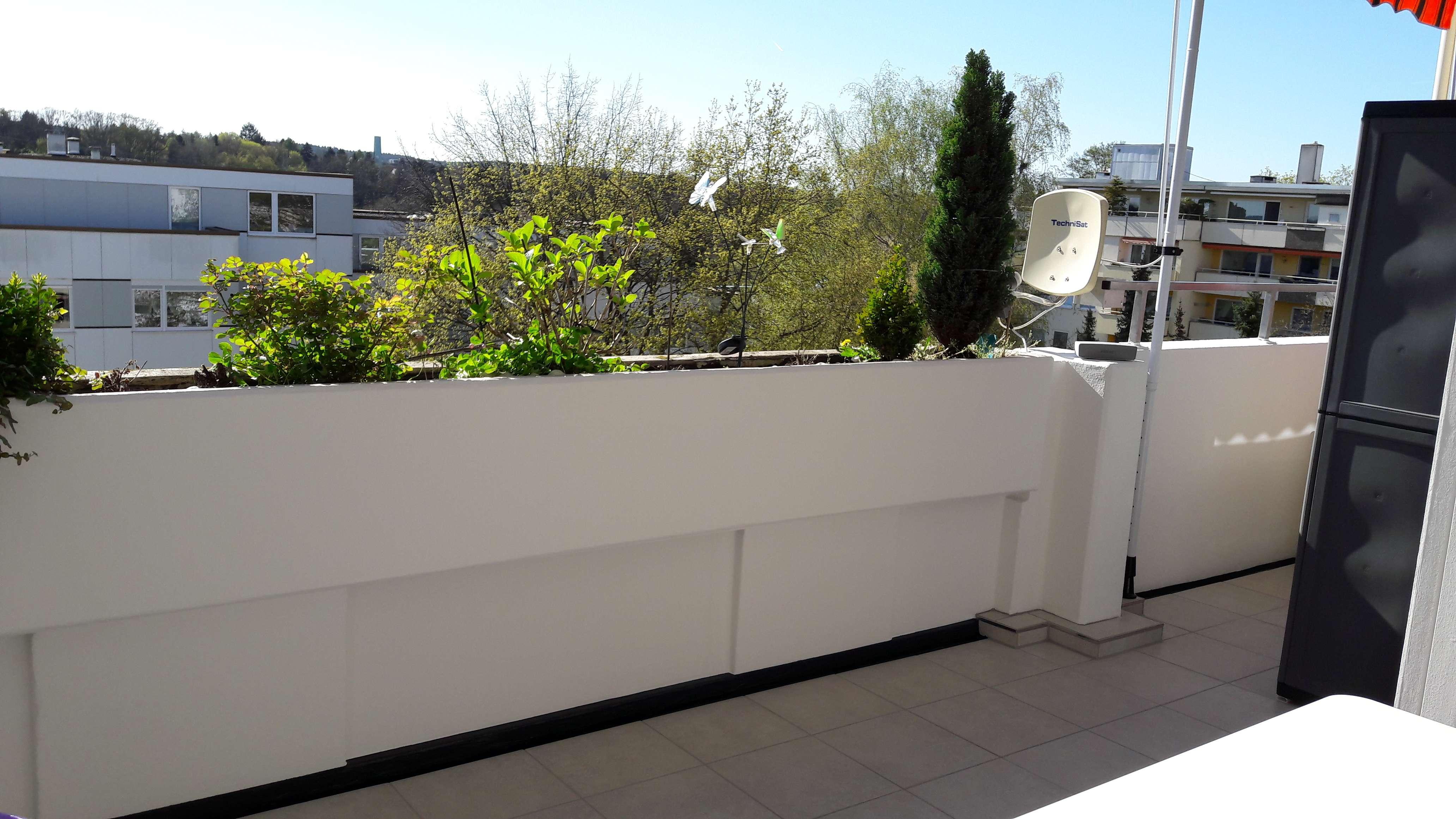 Provisionsfrei: Gepflegte 2,5-Zimmer-Wohnung mit großem Balkon und EBK in Fürth Süd