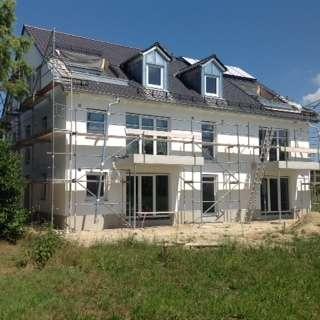 Erstbezug mit Dachterrasse: schöne 2-Zimmer-Dachgeschosswohnung in Aichach-Ecknach in